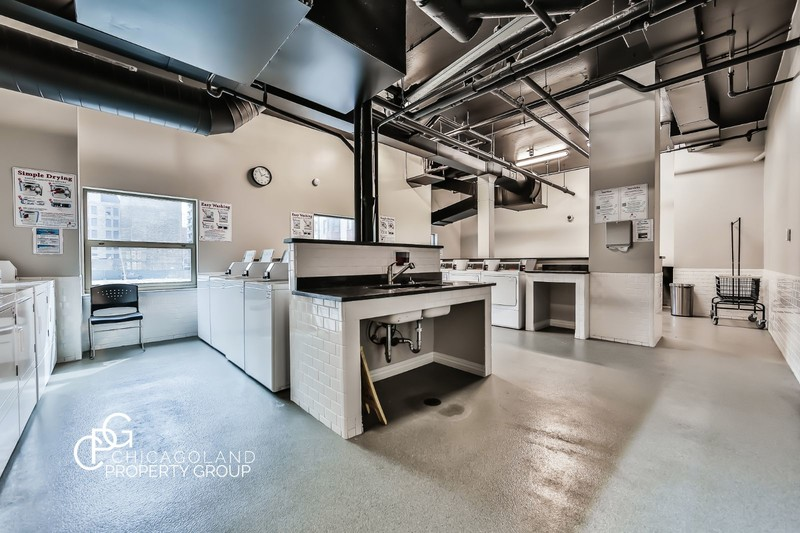 100 W Chestnut 2 Bed 10 Chicagoland Property Group