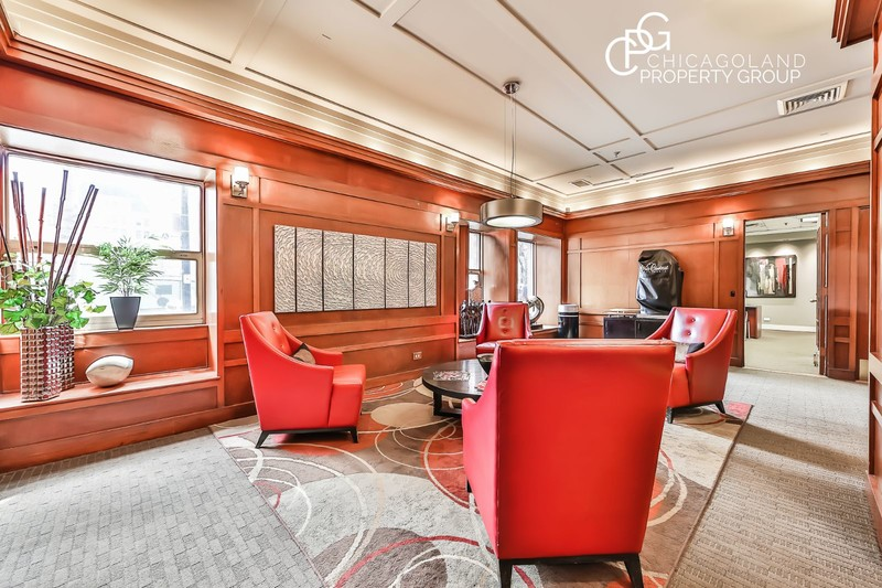 100 W Chestnut 2 Bed 01 Chicagoland Property Group