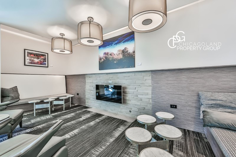 Halsted Flats 2 Bed 10 Chicagoland Property Group